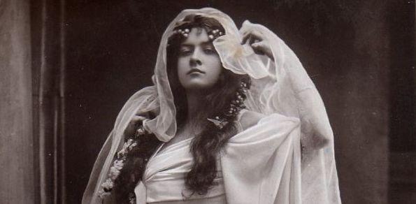 白衣の魔女